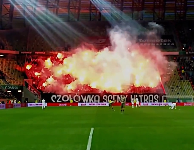 Polish Fans Love To Throw A Party!